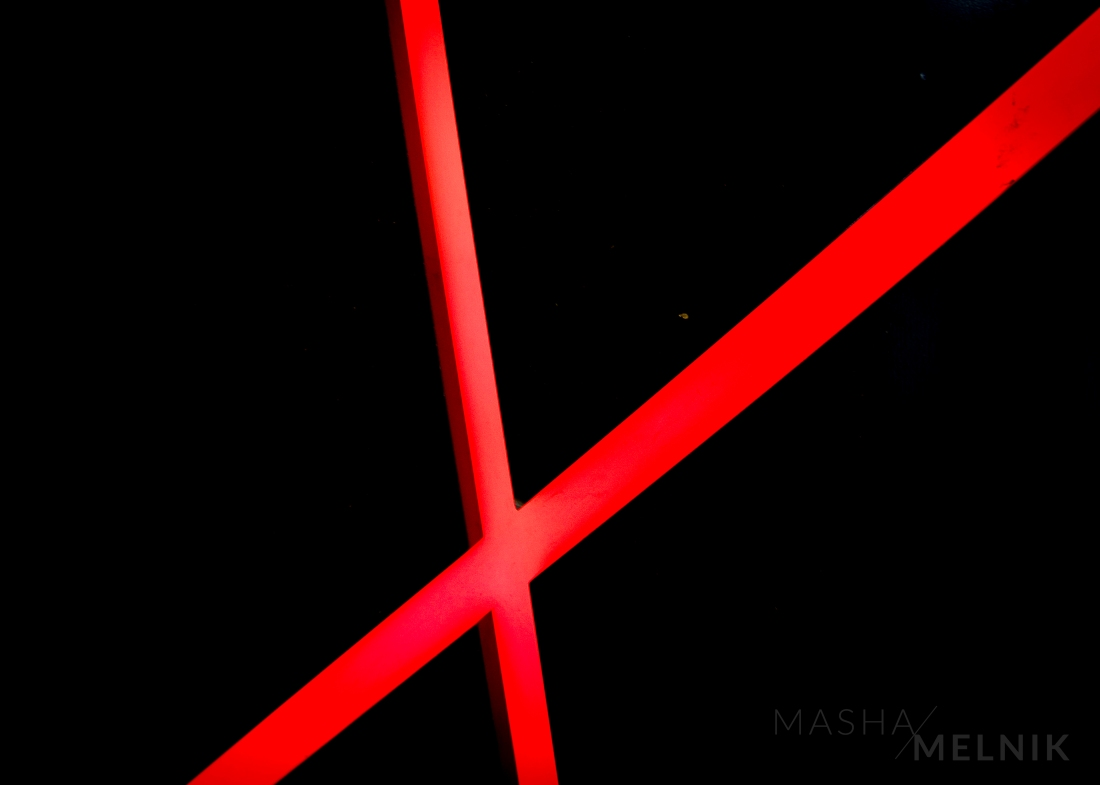 red_lines_2